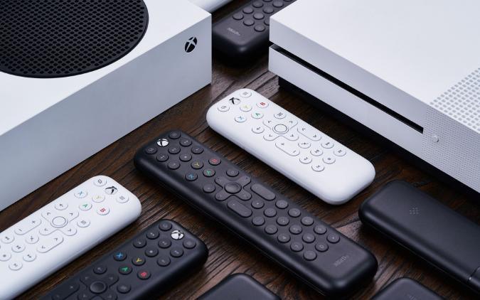 8BitDo's Xbox Media Remotes